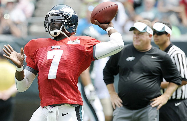 """It just feels like you're at an advantage out there,"" Michael Vick said of Chip Kelly's offense."