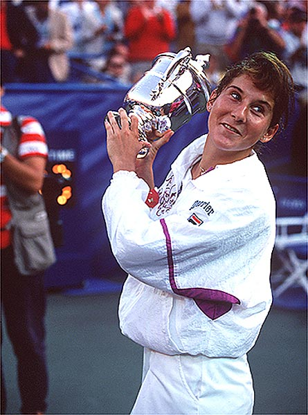 Seles retained her women's title in the 1992 Open, defeating fifth-seeded Arantxa Sánchez Vicario of Spain 6-3, 6-3. It was her sixth Grand Slam title in the previous eight events.