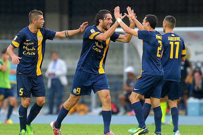 Luca Toni and Hellas Verona won in its return to Serie A after an 11-year absence from the league.