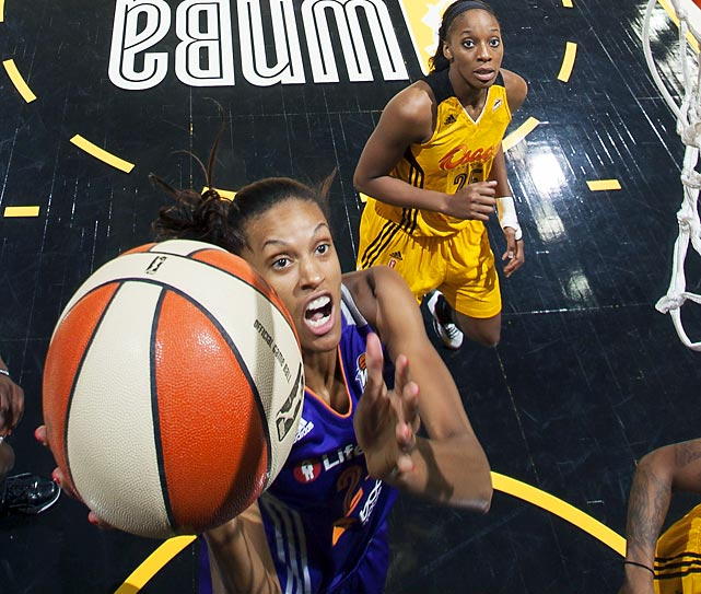 DeWanna Bonner of the Phoenix Mercury goes up for a shot against the Tulsa Shock during a WNBA game on Aug. 20.