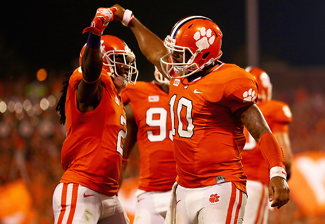 Tajh Boyd (10) and Sammy Watkins connected for 127 yards and a TD in Saturday's win over Georgia.