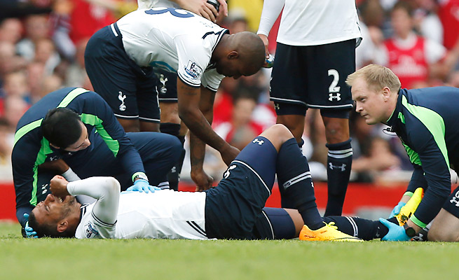 Etienne Capoue will miss the next four weeks after spraining his ankle in the north London Derby.