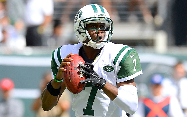 Geno Smith went 24-for-38 for 256 yards and a touchdown against the Buccaneers in Week 1.