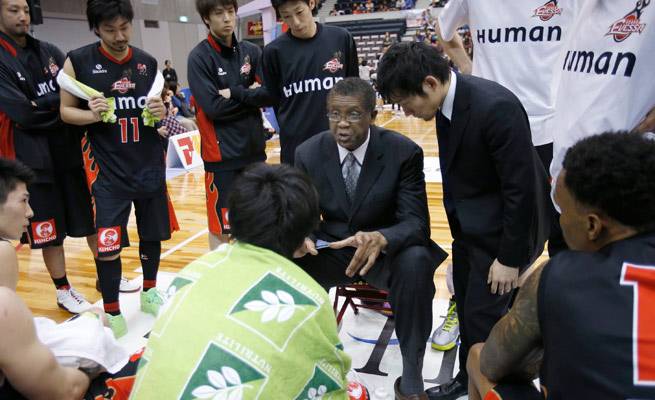Knicks and Bulls great Bill Cartwright relied heavily on an interpreter during his season in Japan.