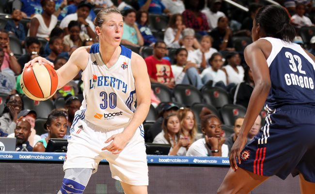 Katie Smith will end her 17-year career against the Washington Mystics on Sunday.