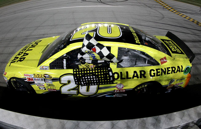 Matt Kenseth took the opening race for the Chase for the Sprint Cup championship on Sunday.