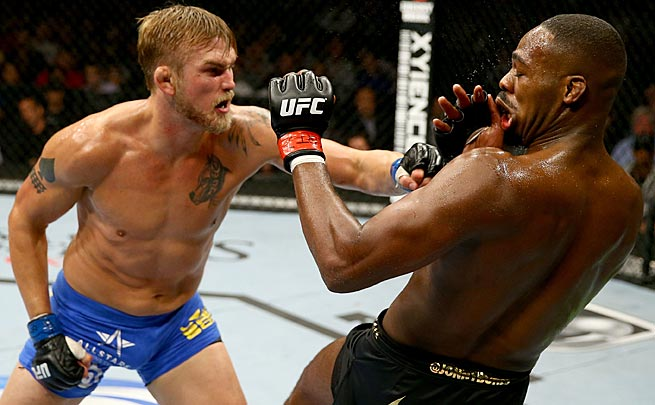 Jon Jones had his hands full against Alexander Gustafsson, but won a unanimous decision.