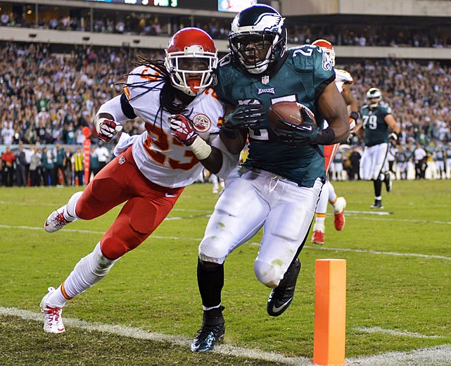 LeSean McCoy got into the corner of the end zone before Kendrick Lewis could knock him out of bounds.