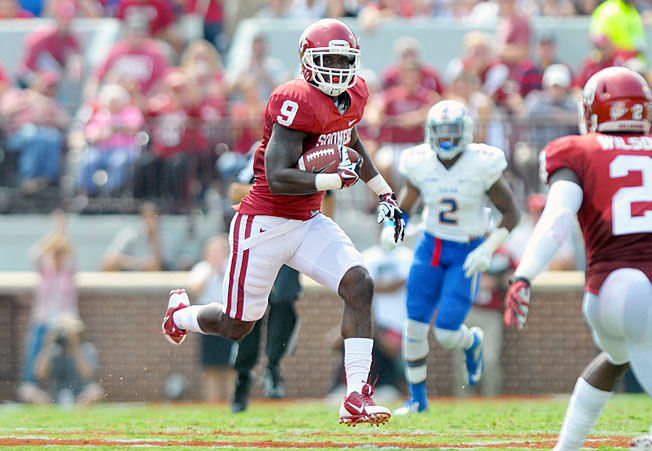 Safety Gabe Lynn (9) and Oklahoma's defense are allowing nine points per game in the team's 3-0 start.