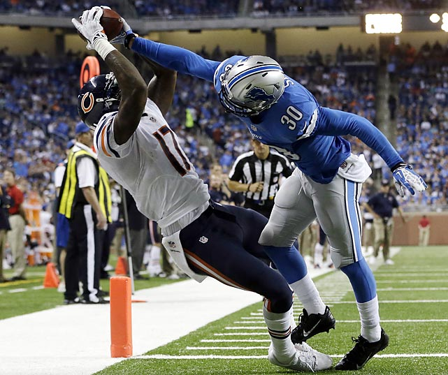 Chicago's Alshon Jeffery maintained control of this ball and got both feet down on this 14-yard scoring reception.