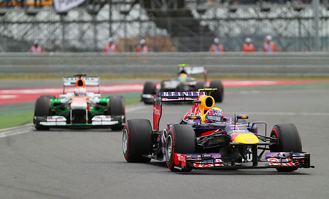 Sebastian Vettel inches closer to an F1 championship with a win at the Korean Grand Prix.