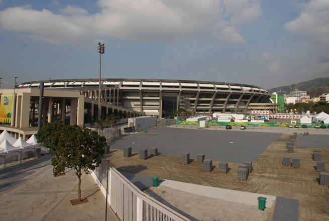 FIFA says it will not accept the same delays that plagued Brazil's Confederations Cup stadium.