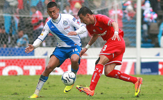 Michael Orozco (16) has spent six of the past seven seasons playing in the Liga MX in Mexico.