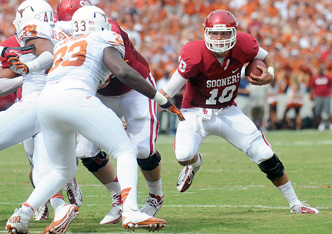 Quarterback Blake Bell and Oklahoma have outscored Texas 118-38 in the programs' last two meetings.