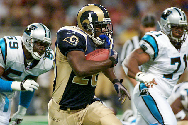 Kurt Warner didn't have his best day. He threw for only 144 yards and had three interceptions. Didn't matter. The Rams easily beat the spread against the hapless Panthers in Week 9. (Carolina hadn't won since opening day, and wouldn't again for the rest of the season). St. Louis finished with 337 rushing yards, the third highest total in franchise history, averaging 8.2 per carry. Marshall Faulk had 183 of them, and two touchdowns. The Rams stormed to a 31-0 lead in the second quarter, and won 48-14. The Panthers were underdogs in all but one of their remaining games -- they were favored against the 6-8 Cardinals and won 30-7 -- but covered the spread just once.