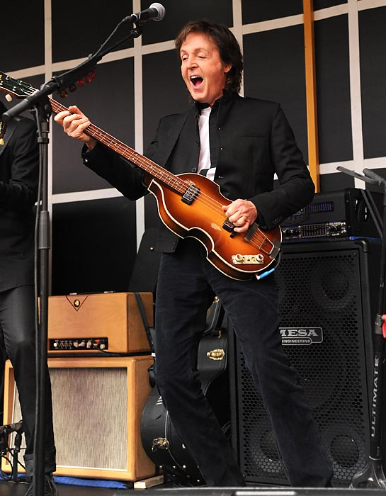 Speaking of Paul The Apostle Church, good ol' Macca rolled into Times Square to squeeze out some tunes from his new platter, which is aptly entitled <italics>New.</italics>