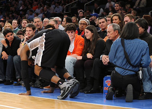 Spurs forward Stephen Jackson suffered a sprained right ankle during a game against the Knicks at Madison Square Garden when he tripped over a waitress who was crouched courtside taking an order from New York City mayor Michael Bloomberg.