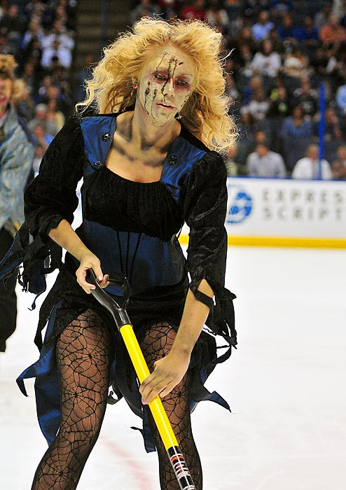 As <italics>The Walking Dead</italics> reactivated for Season 4, the extras were put too good use during an NHL game at the Scottrade Center in St. Louis where the Sharks chowed down on the hometown Blues, 6-2.