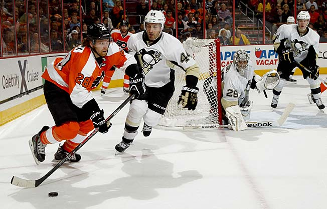 Slumping Claude Giroux thought the rival Penguins would spark his flat Flyers, but he was wrong.