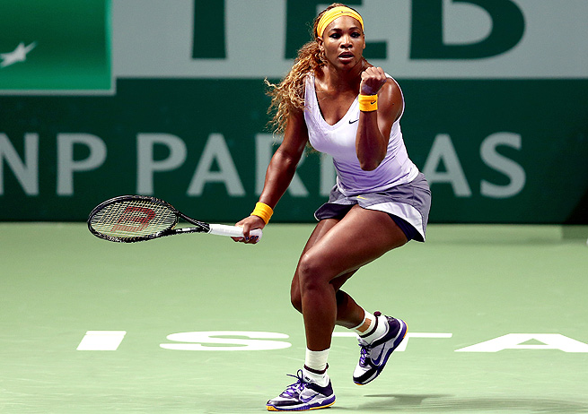 Serena Williams lost only four games in defeating Angelique Kerber in the opening round of the WTA Championships.