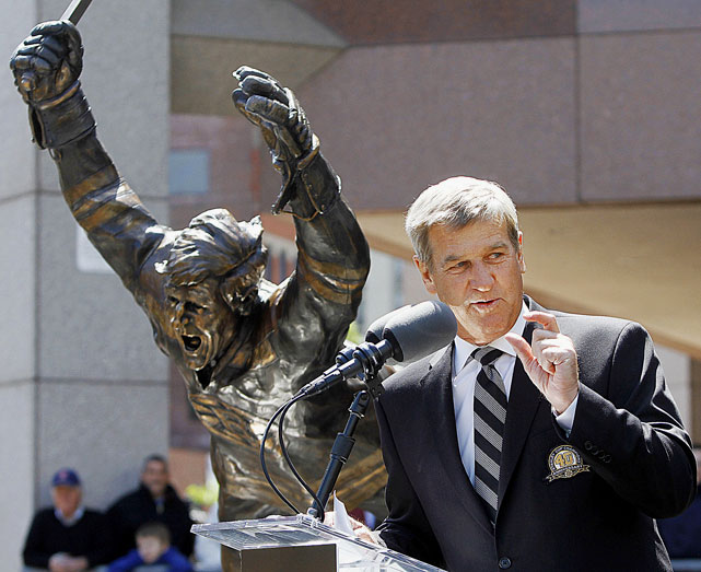 "In 2010, a ceremony was held to dedicate a statue to Hall of Fame Bruins defenseman Bobby Orr to celebrate what Menino referred to as Orr's ""ionic"" goal to win the 1970 Stanley Cup."