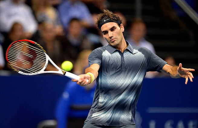 Roger Federer gave his hometown fans a scare when he dropped the first set to Denis Istomin.
