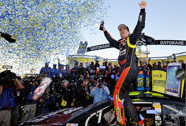 It's Jeff Gordon's first win at Martinsville since he swept the two races at the track in 2005.