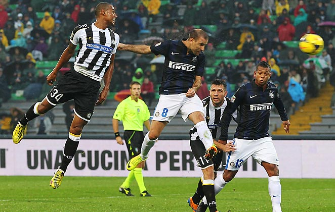 Rodrigo Palacio scored for Inter Milan in a dominant victory over Udinese.