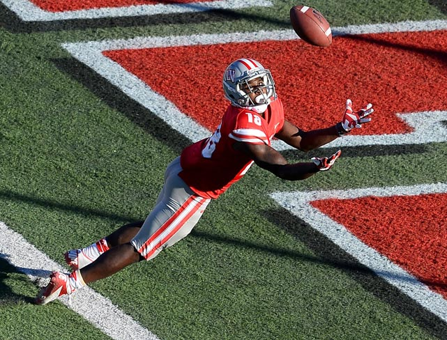 UNLV wide receiver Marcus Sullivan lays out for a ball in the end zone but comes up short. UNLV lost to San Jose State, 32-24.