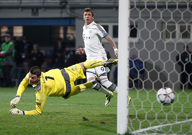 Mario Mandzukic beat Viktoria Plzen keeper Matus Kozacik in the 65th minute for the game's only goal.