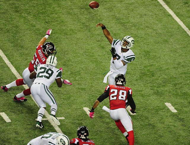 In primetime on Monday night, Geno Smith didn't look like a flustered rookie. Instead, he led the Jets to a shocking upset on the road over Atlanta. Smith completed 16-of-20 passes for 199 yards and three touchdowns, without turning the ball over. While the win kept the surprising Jets above .500, it likely cost the Falcons their season. The loss dropped the defending NFC South champs to 1-4, and Julio Jones fractured his foot in the game, ending his season.