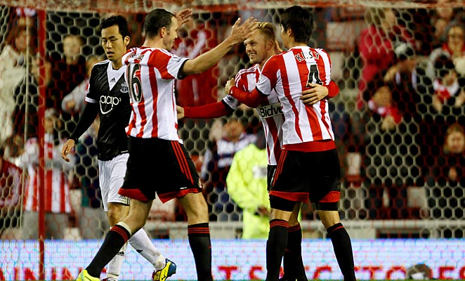 Sebastian Larsson (center) scored Sunderland's second goal against Southampton.