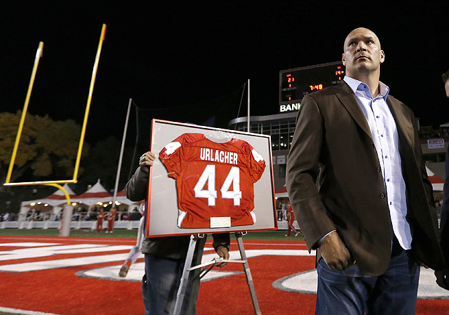 Brian Urlacher was a force on the defensive side of the ball for New Mexico from 1996 to 1999.