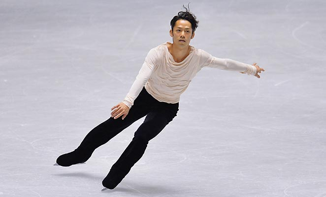 Daisuke Takahashi won his fifth NHK Trophy with a good performance in the free skate.