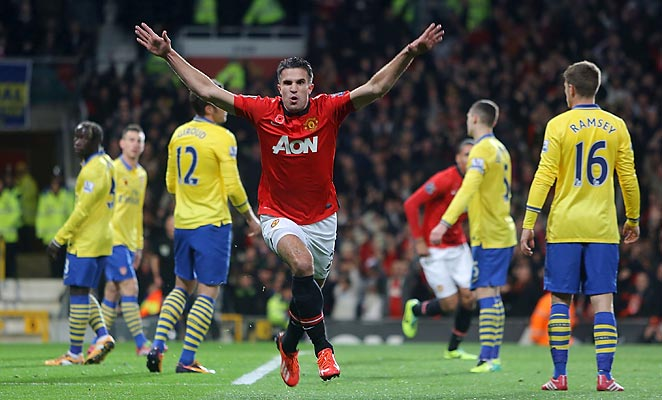 Robin Van Persie scored the only goal as Manchester United defeated the EPL leaders Arsenal.