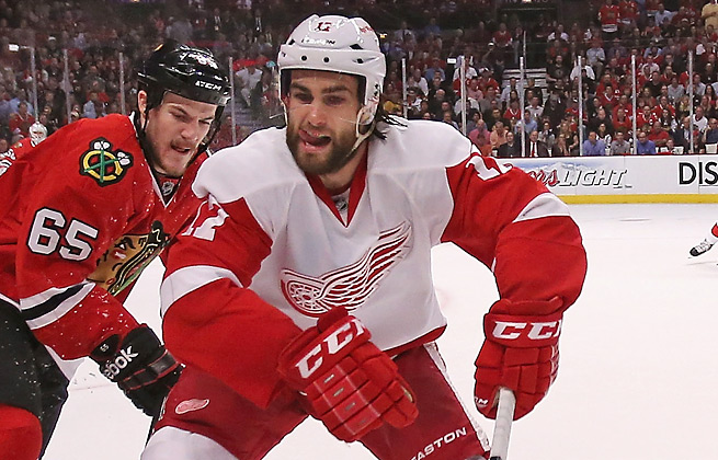 Patrick Eaves played in just three games this season for the Red Wings, who waived the veteran.