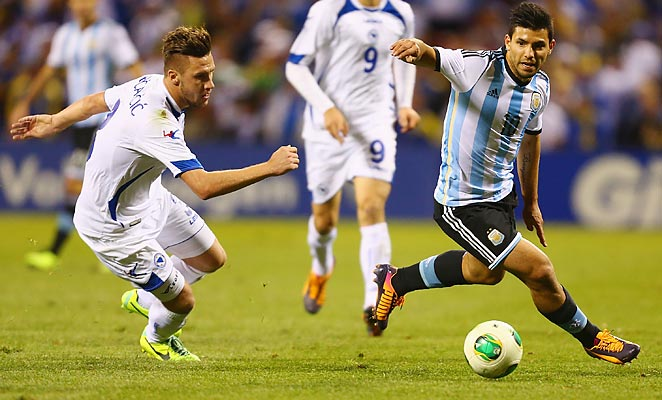 Sergio Agüero scored twice to lead Argentina over Bosnia in St. Louis.
