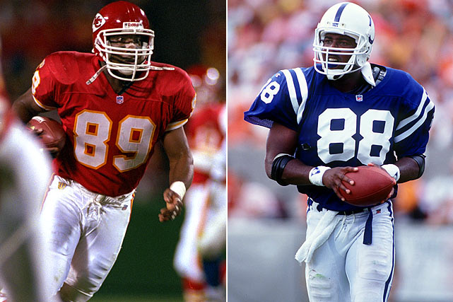 The Cash twins formed a dual threat receiving option at the University of Texas. Kerry was a tight end who was drafted by the Indianapolis Colts in 1991 and Keith was a wide receiver selected by the Washington Redskins, also in 1991. Their NFL careers ended in 1996.
