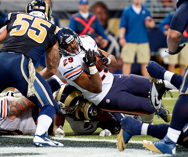 Bears running back Michael Bush falls into the end zone for a touchdown against the Rams.