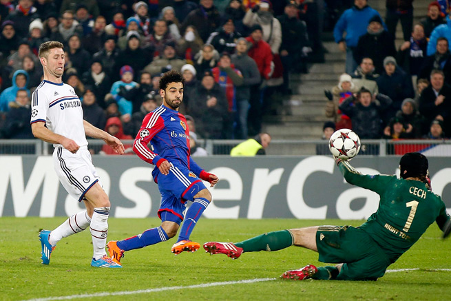 Mohamed Salah beats Petr Cech for the only goal in Basel's 1-0 Champions League win over Chelsea.