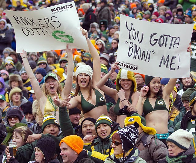 Hardy souls were in the swimwear at Green Bay's frosty Lambeau Field where the visiting Vikings and hometown Packers were fit to be tied, 26-26.