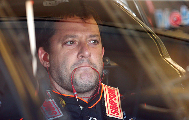 Tony Stewart's crash-shortened 2013 season didn't put a dent in his popularity with fans.