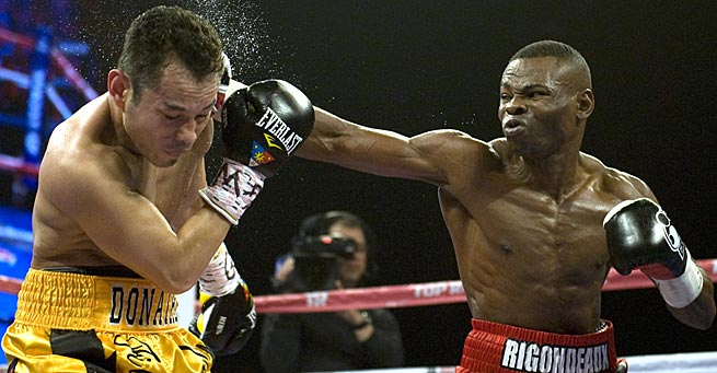 Undefeated Guillermo Rigondeaux (right) is favored to defeat Joseph Agbeko on Saturday.