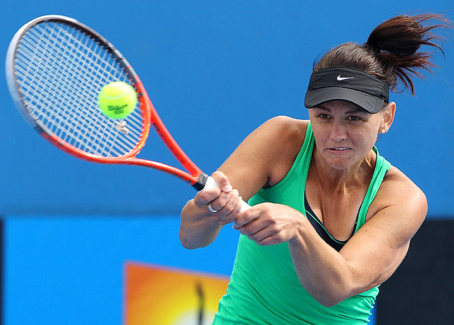 Casey Dellacqua beat Arina Rodionova 5-7, 6-1, 6-0 to win an Australian Open wild-card tournament.