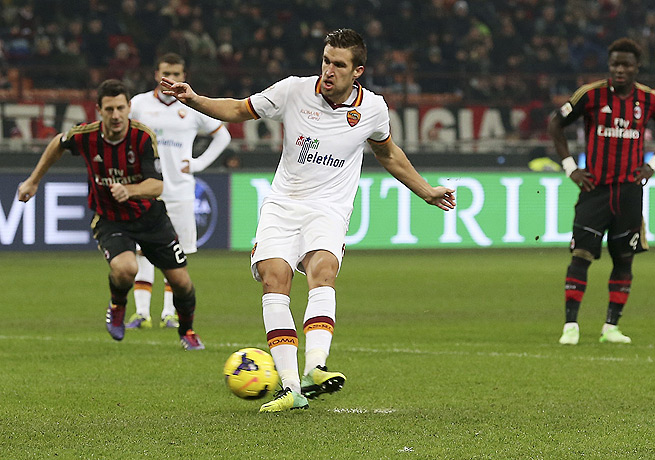 Kevin Strootman's successful penalty gave Roma a second-half lead that would not hold up.