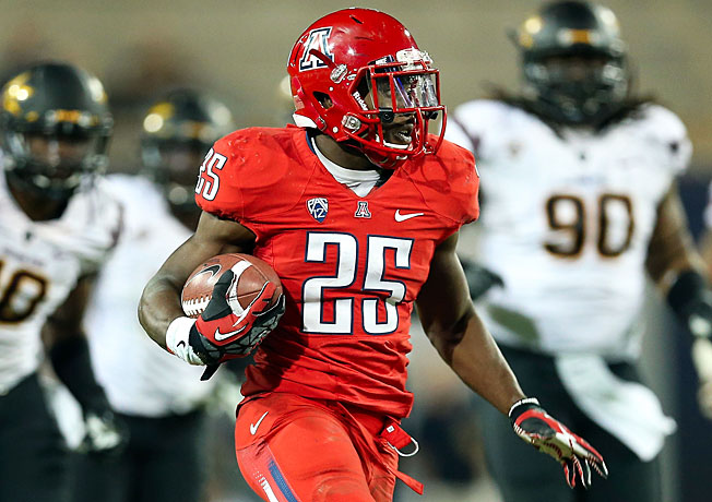Arizona running back Ka'Deem Carey (25) averages 156 rushing yards per game, second in the nation.