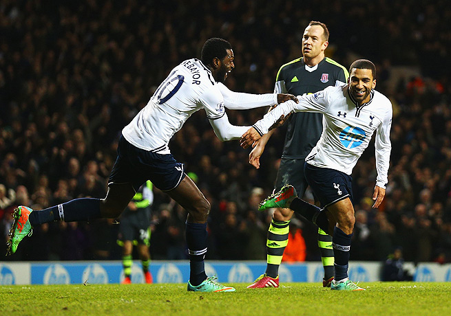 Aaron Lennon (right) finished off the scoring for Tottenham with a goal in the 69th minute.