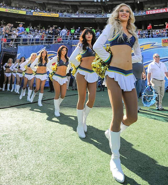 San Diego Chargers Dancers: NFL Cheerleaders: Week 17