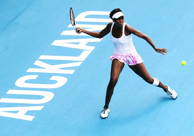 Venus Williams didn't have to hit a single shot to advance to the finals in Auckland.