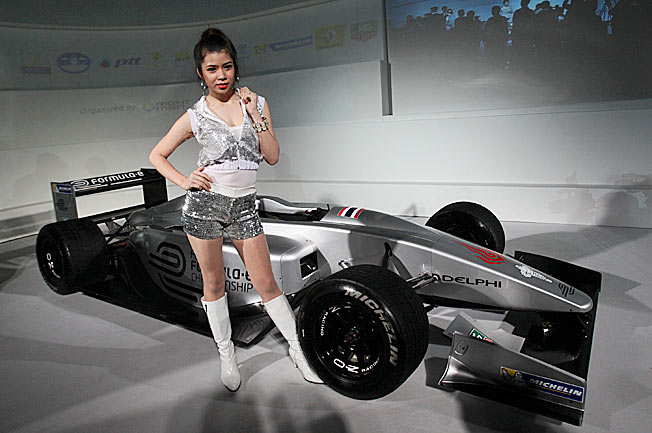 Formula E race cars can reach speeds of 160 miles per hour but need frequent recharges.